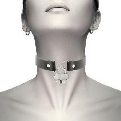 collar cuero con corazon y llave coquette